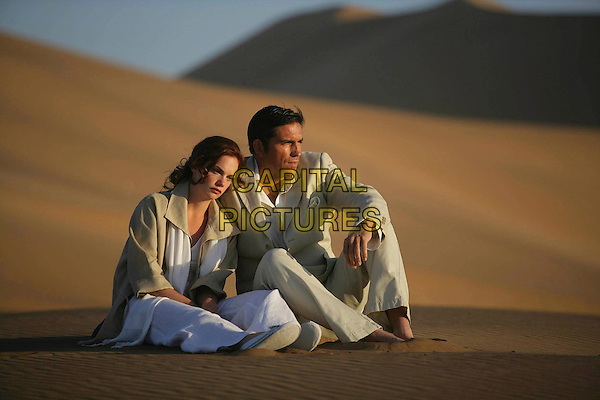 RUTH WILSON & JIM CAVIEZEL.in The Prisoner (2009).*Filmstill - Editorial Use Only*.CAP/FB.Supplied by Capital Pictures.