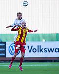 Södertälje 2013-03-31 Fotboll Allsvenskan , Syrianska FC - Kalmar FF :  .Kalmar 6 Paulus Arajuuri vinner en höjdduell mot Syrianska 23 Dinko Felic .( Foto: Kenta Jönsson ) Nyckelord: