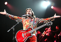 Marco Antonio Solis performs during the Juntos En Concierto at the Gibson Amphitheater, Universal City, CA on 18-07-06