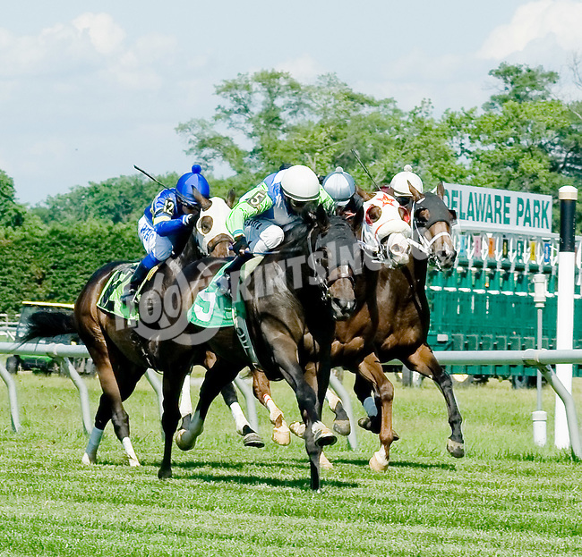 Cocodimama winning at Delaware Park on 6/6/12