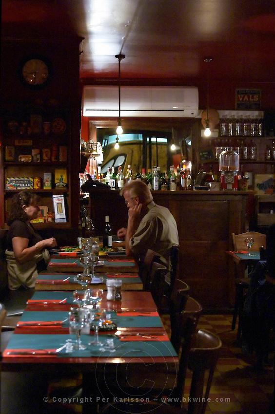 The restaurant l'Epicerie in Avignon. People having dinner at night. Avignon, Vaucluse, Provence, Alpes Cote d Azur, France, Europe
