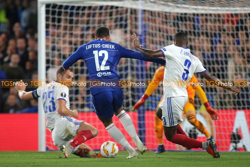 Ruben Loftus-Cheek of Chelsea takes on the Mol Vidi defence during Chelsea vs MOL Vidi, UEFA Europa League Football at Stamford Bridge on 4th October 2018