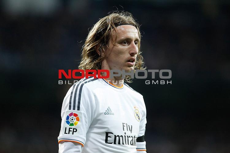 Real Madrid¬¥s Modric during La Liga match in Santiago Bernabeu stadium in Madrid, Spain. January 06, 2014. Foto © nph / Victor Blanco)
