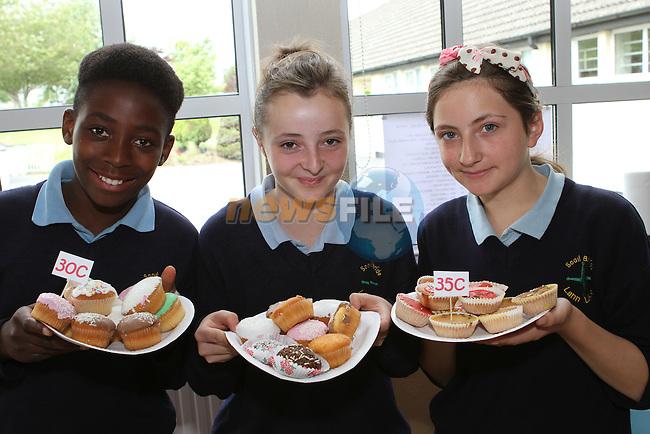Tunji Ifaturati, Ciara Callaghan and Rachel Mathews at the Cake Sale in Scoil Bhride NS, Dunleer....Photo NEWSFILE/Jenny Matthews.