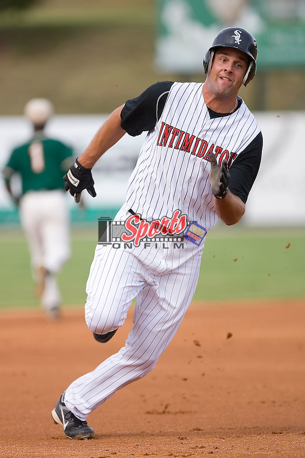 Jordan Danks (13) of the Kannapolis Intimidators takes off for third base at Fieldcrest Cannon Stadium in Kannapolis, NC, Saturday August 24, 2008. (Photo by Brian Westerholt / Four Seam Images)