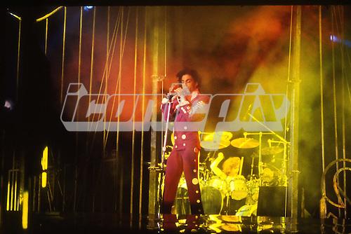 PRINCE   IconicPix Music Archive