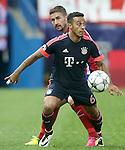 Atletico de Madrid's Gabi Fernandez (b) and FC Bayern Munchen's Thiago Alcantara during Champions League 2015/2016 Semi-Finals 1st leg match. April 27,2016. (ALTERPHOTOS/Acero)