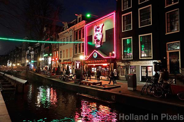 Nederland Amsterdam 2018. Red Light District. Oudezijds Achterburgwal. De Wallen. Sex Theatre Casa Rosso. Foto Berlinda van Dam / Hollandse Hoogte