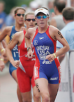 30 JUL 2006 - SALFORD, UK - Michelle Lindsay - ITU World Cup triathlon round. (PHOTO (C) NIGEL FARROW)