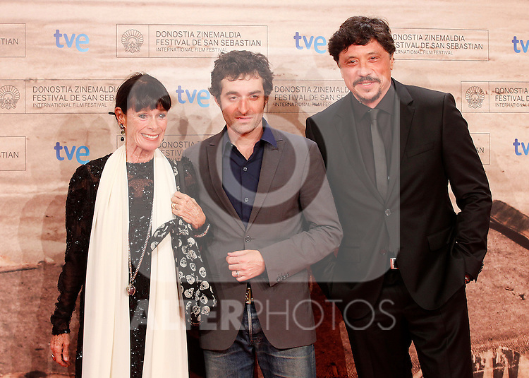French film director Mathieu Demy (c) with the actors Geraldine Chaplin (l) and Carlos Bardem during the 59th San Sebastian Donostia International Film Festival - Zinemaldia.September 23,2011.(ALTERPHOTOS/ALFAQUI/Acero)