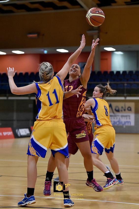 Aroha Haumaha in action during the WBC - Tauranga City Coasters v Rotorua Lady Vols at Te Rauparaha Arena, Porirua, New Zealand on Friday 5 June 2015.<br /> Photo by Masanori Udagawa. <br /> www.photowellington.photoshelter.com.