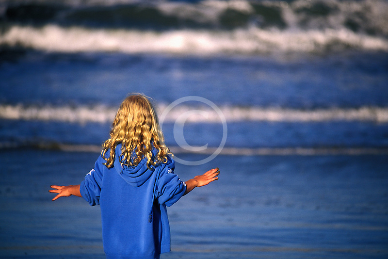 California, Santa Cruz County, Pajaro Dunes, Girl on beach