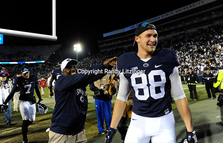 STATE COLLEGE, PA - NOVEMBER 26:  Penn State TE Mike Gesicki (88) celebrates and is congratulated after the game. The Penn State Nittany Lions defeated the Michigan State Spartans 45-12 to win the Big Ten East Division on November 26, 2016 at Beaver Stadium in State College, PA. (Photo by Randy Litzinger/Icon Sportswire)