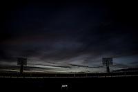 Luces, lamparas o luminarias del estadio H&eacute;roe de Nacozari a contra luz justo antes del anochecer.Cielo azul intenso<br /> <br /> (Photo:Luis Gutierrez/ NortePhoto.com)<br /> <br /> pclaves:  atardecer, reflejo, azul, oscurecer, oscurece, noche, darknes, dark , stadium, sooccer