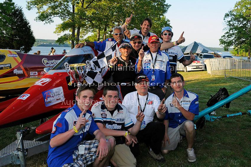 3-4 May 2008, Pickwick,TN USA.Shaun Torrente and crew celebrate..©2008 F.Peirce Williams