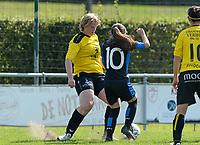 DVK Egem - Club Brugge Dames B :  Sharon Vervaeke (links) in duel <br /> Foto David Catry | VDB | Bart Vandenbroucke