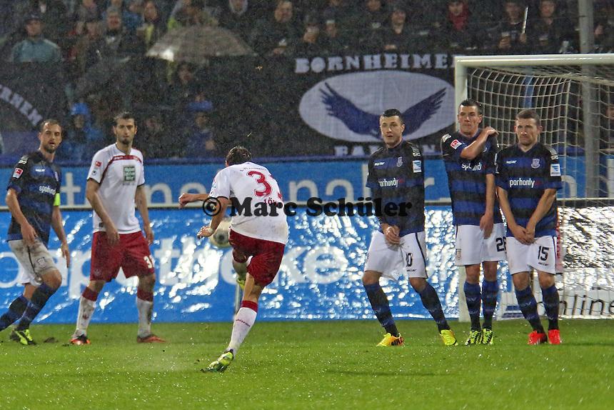 Chris Löwe (FCK) erzielt das 0:2 per Freistoss - FSV Frankfurt vs. 1. FC Kaiserslautern, Frankfurter Volksbank Stadion