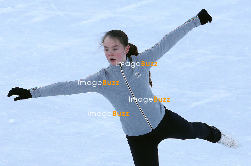 PRINCESS ALEXANDRA OF HANOVER ENJOYS HER VACATION WITH HER MOTHER PRINCESS CAROLINE, IN AUSTRIA./February 18, 2013-Zurs (Austria)-Princess Alexandra of Hanover enjoys figure skating lessons, as well as sledging in the snow in Zurs, Austria, while her mother Princess Caroline Of Hanover walks their dogs in the snow.