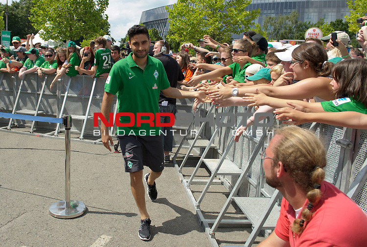 28.07.2013, Weserstadion, Bremen, GER, 1.FBL, Werder Bremen Tag der Fans 2013, im Bild Mehmet Ekici (Bremen #10)<br /> <br /> Foto &copy; nph / Frisch