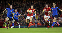 Gareth Davies of Wales (C) makes a run during the Wales v France, 2016 RBS 6 Nations Championship, at the Principality Stadium, Cardiff, Wales, UK