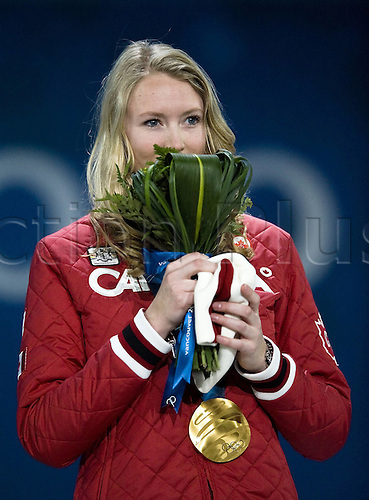 23 02 2010 Copyright Actionplus/Sven Simon..Ashleigh McIvor CAN Gold Medal..2010 Vancouver Winter Olympic Games Womans Ski Cross Award Ceremony in Canada Cypress Mountain..Photo: Imago/Actionplus. UK Licenses Only.
