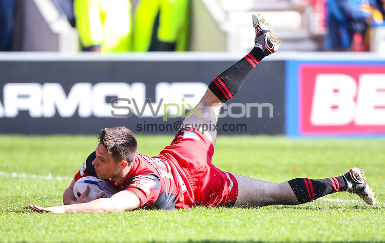 Picture by Alex Whitehead/SWpix.com - 06/04/2015 - Rugby League - First Utility Super League - Salford Red Devils v Wigan Warriors - AJ Bell Stadium, Salford, England - Salford's Niall Evalds scores a try.