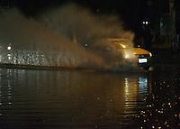 SÃO PAULO,SP - 17.11.2015 - CLIMA-SP - Alagamento é visto no cruzamento da Avenida Cruzeiro do Sul com Rua Tapajós, na região central de São Paulo, na noite dessa terça-feira, 17. (Foto: Eduardo Carmim/Brazil Photo Press)