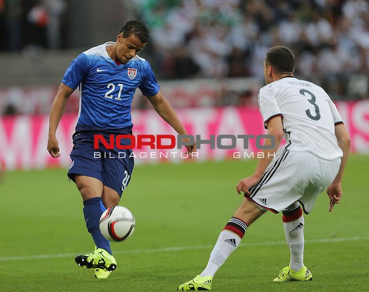 DFB Freundschaftsl&auml;nderspiel, Deutschland vs. USA<br /> Timothy Chandler (USA), Jonas Hector (Deutschland)<br /> <br /> Foto &copy; nordphoto /  Bratic