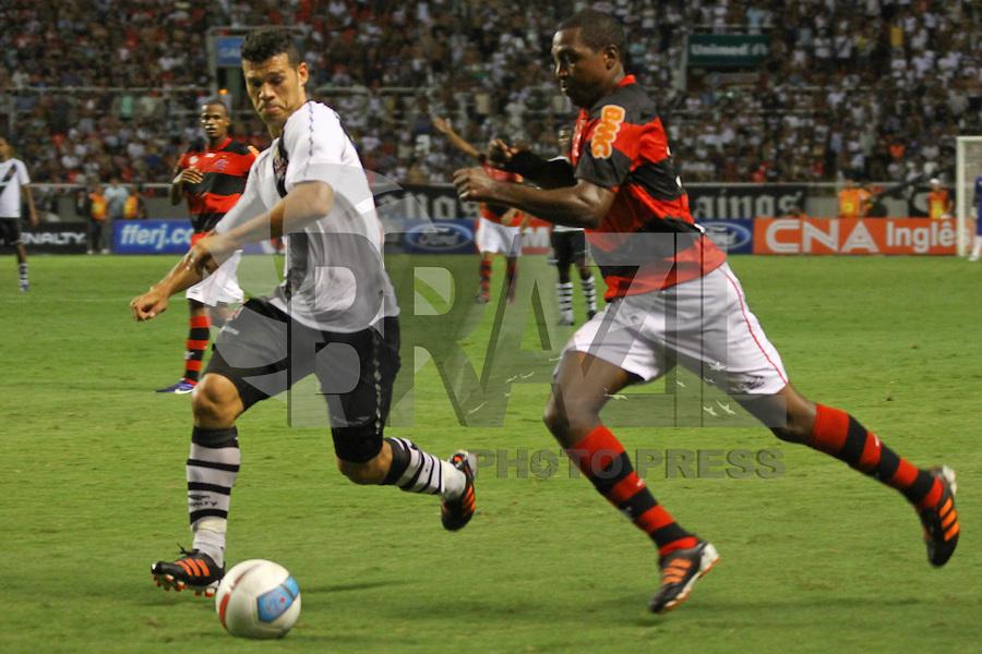 RIO DE JANEIRO, RJ, 22 DE FEVEREIRO 2012 - CAMPEONATO CARIOCA - SEMIFINAL - TAÇA GUANABARA - VASCO X FLAMENGO - Renato Abreu, jogador do Flamengo, durante partida contra o Vasco, pela semifinal da Taça Guanabara, no estádio Engenhão, na cidade do Rio de Janeiro, nesta quarta-feira, 22. FOTO: BRUNO TURANO – BRAZIL PHOTO PRESS.