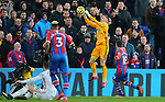Sheffield United's goalkeeper Dean Henderson catches the ball during the Premier League match at Selhurst Park, London. Picture date: 1st February 2020. Picture credit should read: Paul Terry/Sportimage