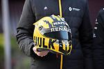 11.04.2019, Shanghai Audi International Circuit, Shanghai, 2019 FORMULA 1 HEINEKEN CHINESE GRAND PRIX<br /> im Bild<br />Nico H&uuml;lkenberg (GER#27), Renault F1 Team mit seinem Helm gehalten im Uralt-Design<br /> <br /><br /> <br /> Foto &copy; nordphoto / Bratic