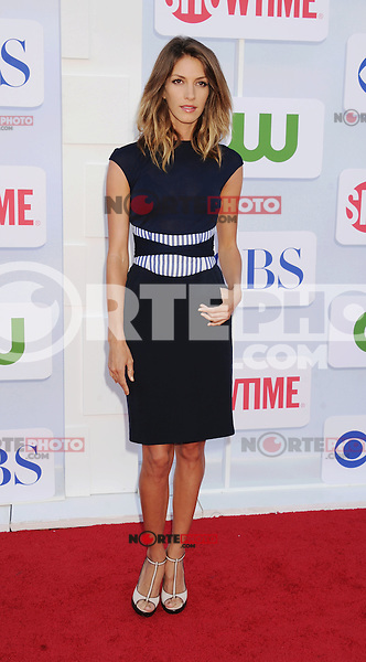 BEVERLY HILLS, CA - JULY 29: Dawn Oliveri arrives at the CBS, Showtime and The CW 2012 TCA summer tour party at 9900 Wilshire Blvd on July 29, 2012 in Beverly Hills, California. /NortePhoto.com<br /> <br />  **CREDITO*OBLIGATORIO** *No*Venta*A*Terceros*<br /> *No*Sale*So*third* ***No*Se*Permite*Hacer Archivo***No*Sale*So*third*