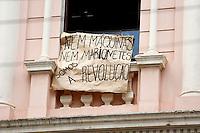 CURITIBA, PR, 07.11.2016 -EDUCAÇÃO-PR –  Estudantes contrário a reintegração de posse do Institudo de Educação do Paraná realizam manifestação em frente ao prédio no centro de Curitiba (PR) na tarde desta segunda-feira(07). (Foto: Paulo Lisboa/Brazil Photo Press)