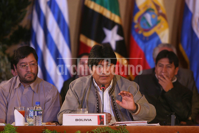 El Presidente de  Bolivia, Evo Morales, durante la La V Cumbre de la Alternativa Bolivariana para los pueblos de América (ALBA) , iniciativa que impulsa en oposicion al ALCA auspiciado por Estados Unidos.*President of Bolivia, Evo Morales ,  during the V Summit of the Boliviarian Alternative for America's People (ALBA), and initiave he sponsors in opposition to the ALCA, free trade area of the Americas supported by United States.