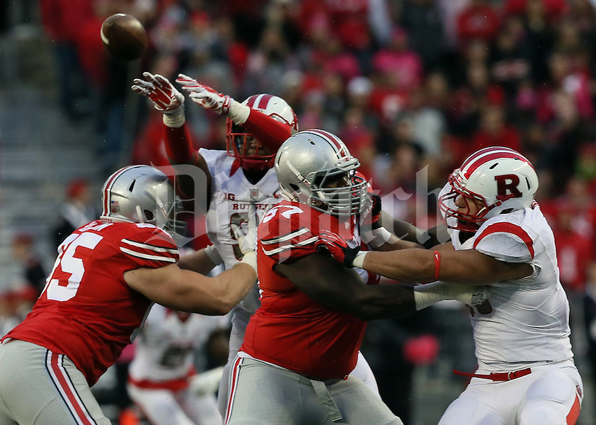 Rutgers Scarlet Knights defensive lineman Darius Hamilton (91) attempts an interception in the fourth quarter of their game at Ohio Stadium in Columbus, Ohio on October 18, 2014. (Columbus Dispatch photo by Brooke LaValley)