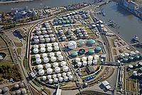 Tanklager VOPAK im Hamburger Hafen: EUROPA, DEUTSCHLAND, HAMBURG, 13.10.2018: Vopak Dupeg Terminal-Tanklage
