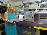 """Unternehmerin Tatjana Abramowa<br />Urkainische Textilfabrik """"Rito"""" in der Kleinstadt Browary nahe Kiew, orientiert sich in seiner Produktion jetzt Richtung EU und nicht mehr nach Russland"""
