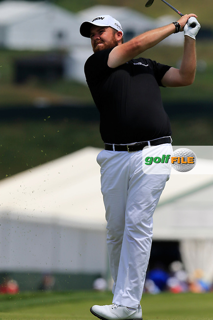 Shane Lowry (IRL) plays his 2nd shot on the 11th hole during Wednesday's Practice Day of the 2016 U.S. Open Championship held at Oakmont Country Club, Oakmont, Pittsburgh, Pennsylvania, United States of America. 15th June 2016.<br /> Picture: Eoin Clarke | Golffile<br /> <br /> <br /> All photos usage must carry mandatory copyright credit (&copy; Golffile | Eoin Clarke)