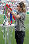 Nadine Angerer show the trophy  before UEFA Women's Champions League 2015/2016 Final match.May 26,2016. (ALTERPHOTOS/Acero)