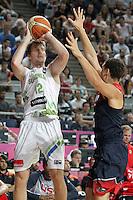 Slovenia's Zoran Dragic (l) and USA's Klay Thompson during 2014 FIBA Basketball World Cup Quarter-Finals match.September 9,2014.(ALTERPHOTOS/Acero)