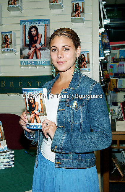 "Jamie Lynn Sigler from the Soprano was signing her book ""Wise Girl"". A book about her experence and battle about eating disorder. She is the spokesperson for the National Eating Disorders Association. August 14, 2002.            -            SiglerJamieLynn_BookSign07.jpg"