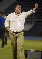 BARRANQUIILLA -COLOMBIA-10-10-2015. Harold Rivera técnico de Patriotas FC gesticula durante el encuentro con Uniautónoma por la fecha 15 de la Liga Aguila II 2015 jugado en el estadio Metropolitano de la ciudad de Barranquilla./ Harold Rivera coach of Patriotas FC gestures during match agaisnt Uniautonoma valid for the date 15 of the Aguila League II 2015 played at Metropolitano stadium in Barranquilla city.  Photo: VizzorImage/ Alfonso Cervantes /