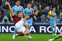 Francesco Totti of AS Roma scores the goal of 2-2 <br /> Gol Francesco Totti Roma . Goal celebration 2-2 <br /> Roma 11-01-2015 Stadio Olimpico, Football Calcio Serie A AS Roma - Lazio . Foto Andrea Staccioli / Insidefoto
