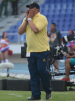 BARRANQUIILLA -COLOMBIA-08-03-2015. Calixto Chiquillo técnico de Uniautonoma gesticula durante partido con Atletico Junior por la fecha 8 de la Liga Águila I 2015 jugado en el estadio Metropolitano Roberto Meléndez de la ciudad de Barranquilla./ Calixto Chiquillo coach of Uniautonoma gestures during match against Atletico Junior for the 8th  date of the Aguila League I 2015 played at Metropolitano Roberto Melendez stadium in Barranquilla city.  Photo: VizzorImage/Alfonso Cervantes/STR