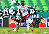 PALMIRA - COLOMBIA, 23-09-2018: José Sand (Izq.) jugador de Deportivo Cali disputa el balón con Nilson Castrillón (Der.) jugador de Deportes Tolima, durante partido de la fecha 11 entre Deportivo Cali y Deportes Tolima, por la Liga Aguila II 2018, jugado en el estadio Deportivo Cali (Palmaseca) de la ciudad de Cali. / Jose Sand (L) player of Deportivo Cali vies for the ball with Nilson Castrillon (R) player of Deportes Tolima, during a match of the date 11th between Deportivo Cali and Deportes Tolima, for the Liga Aguila II 2018 at the Deportivo Cali (Palmaseca) stadium in Cali city. Photo: VizzorImage  / Nelson Rios / Cont.