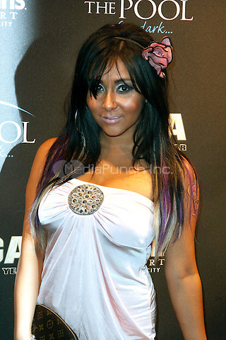 Snooki pictured at The Pool at Harrahs in Atlantic City on September 24, 2011  © Star Shooter / MediaPunchInc