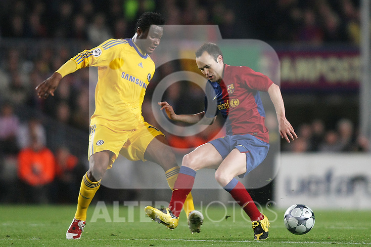 FC Barcelona's Andres Iniesta (r) and Chelsea's John Mikel Obi during the UEFA Champions League match.April 28 2009. (ALTERPHOTOS/Acero).