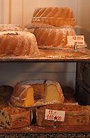 Europe/Pologne/Varsovie: Babas dans une pâtisserie