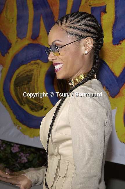 "Jada Pinkett arriving at the premiere of "" Kingdom Come""  at the Writer Guild Awards in Los Angeles  4/4/2001           -            PinkettJada04.jpg"