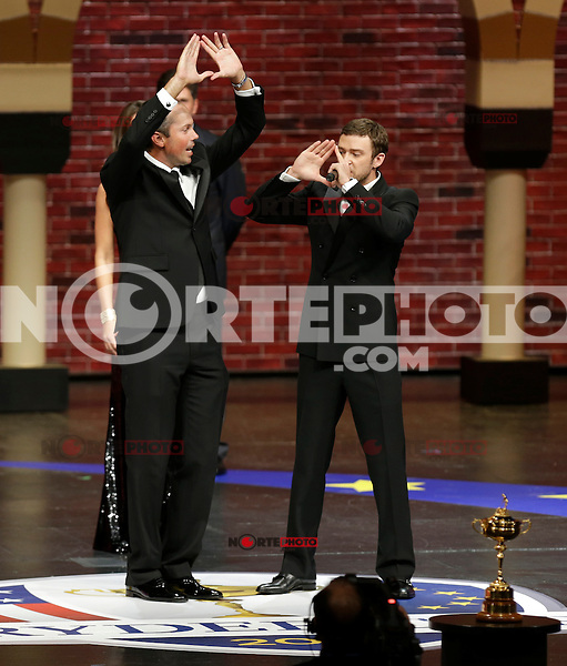 September 26, 2012: The first ever Ambassador for the U.S. Ryder Cup team Justin Timberlake (R) talks with U.S. Ryder Cup team member Matt Kuchar (L)during the 39th Ryder Cup Gala at Akoo Theatre in Rosemont, Illinois, USA. Credit: Kamil Krzaczynski /MediaPunch Inc. /NortePhoto